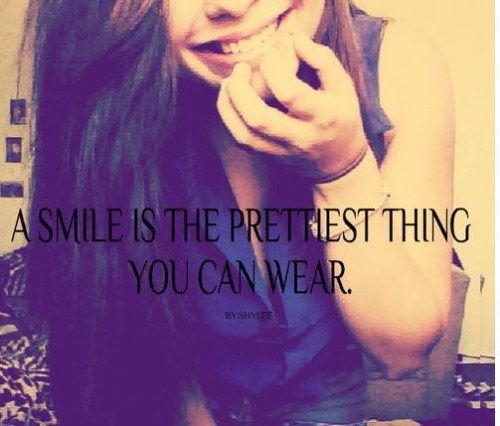 a smile is the prettiest thing you can wear beauty quote